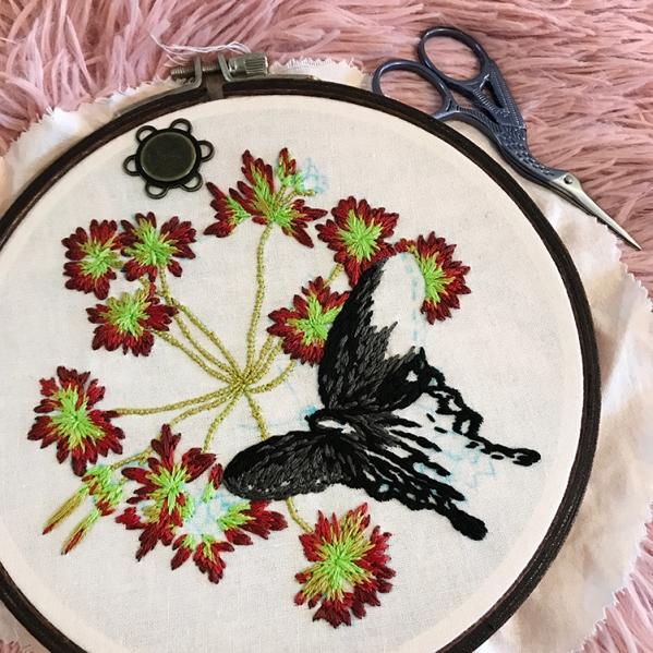Levacy-Embroidery-CarolinaGeraniumPipevineSwallowtail