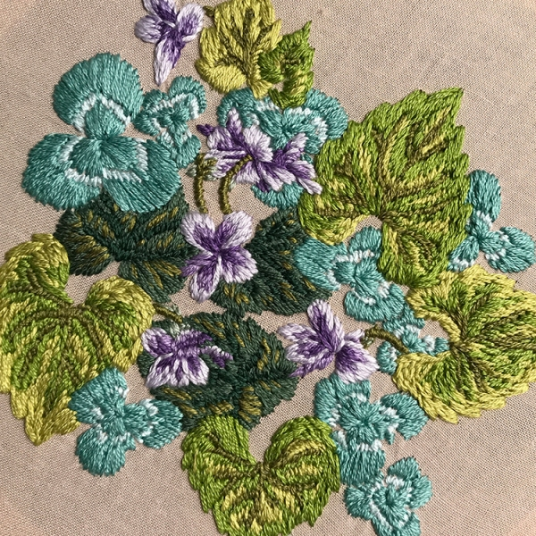 Levacy-Embroidery-ViolasAndClover