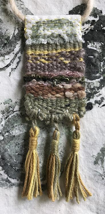 CryTheBird(Levacy)-Weaving-Pendant1